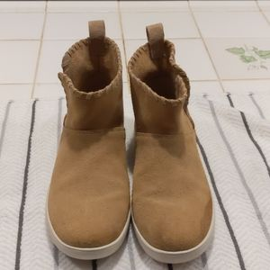 Worn once koolaburra by ugg ankle boots